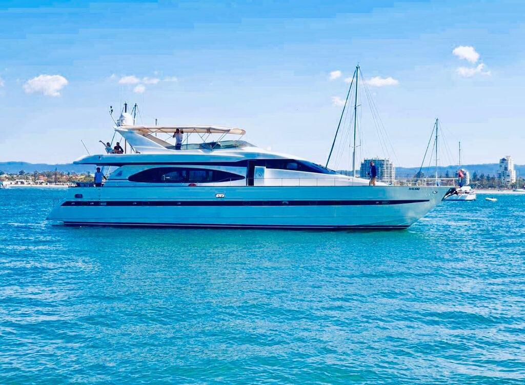 Million dollar Luxury 90ft yacht in Gold Coast - Yamba Accommodation
