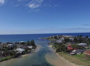 Barrack Point Holidays - Yamba Accommodation